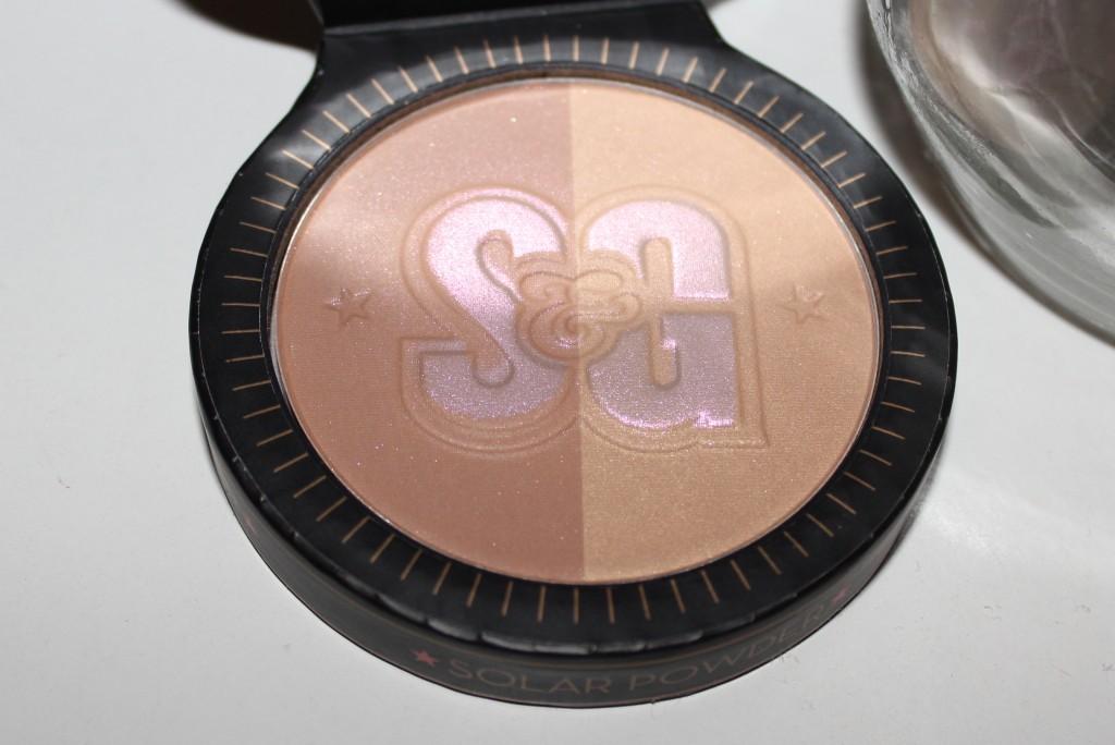 Soap & Glory Solar Powder
