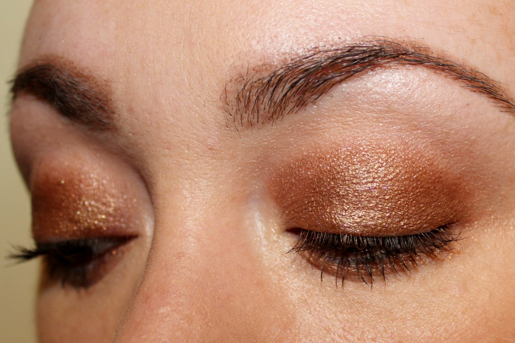 Charlotte Tilbury's Bette on my eyelids