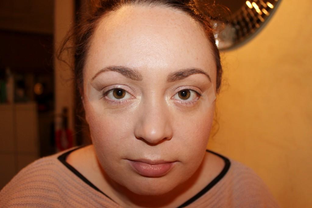Winged Eye Liner Made Easy (5)