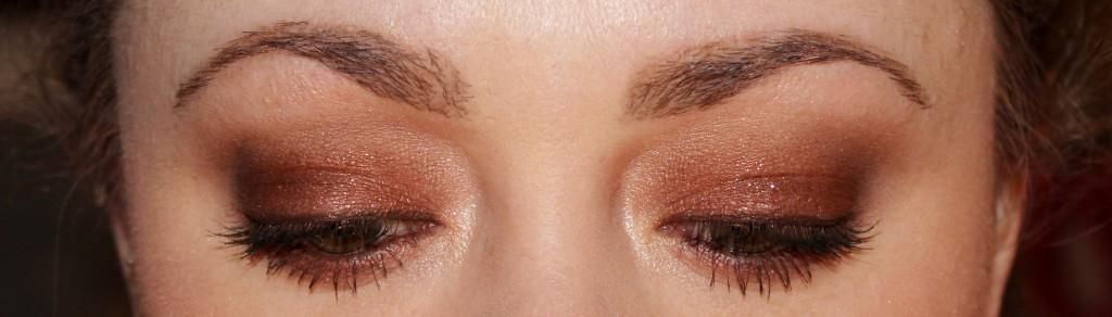 easy eye look using dolce vita palette