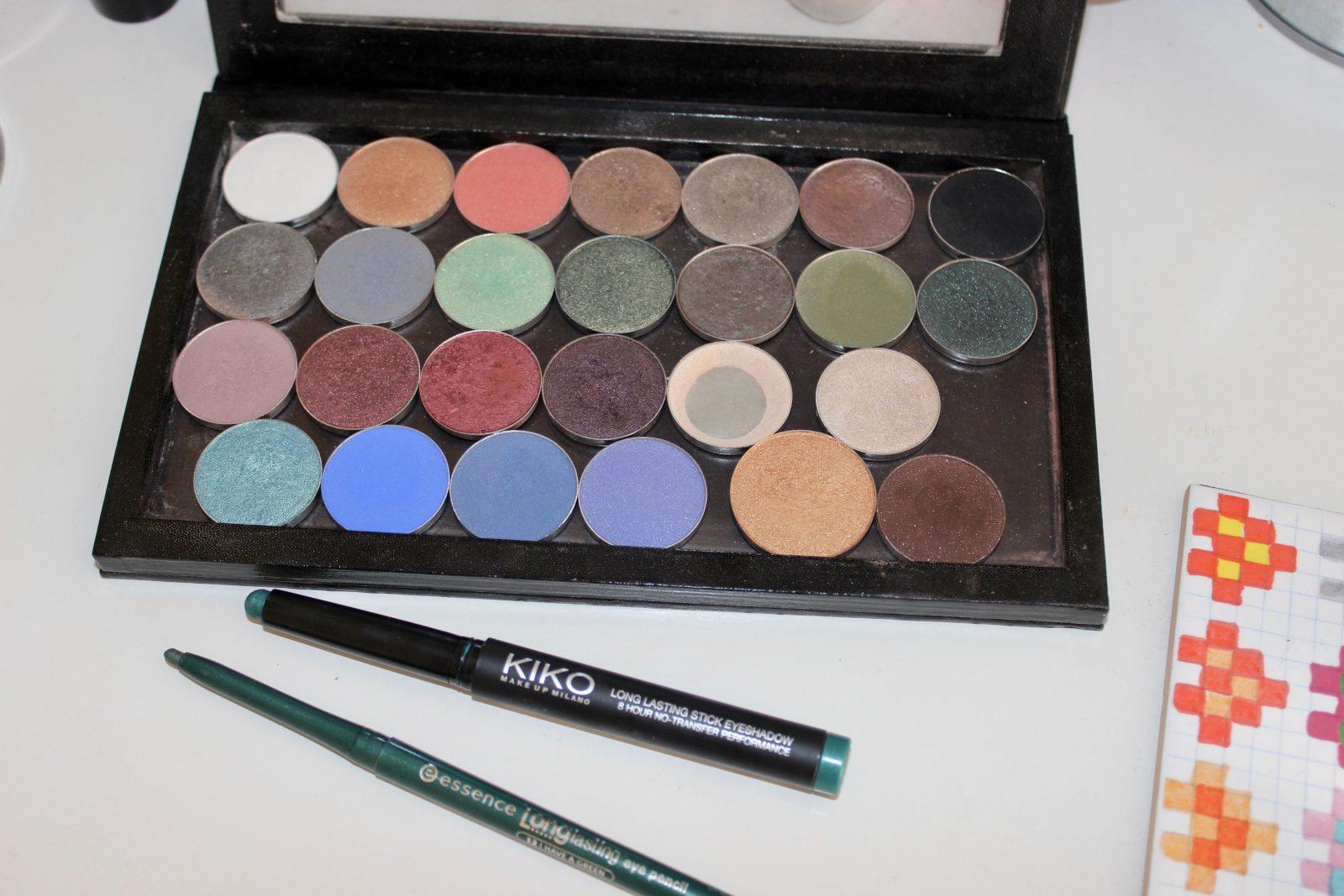 Green eyeshadow makeup look