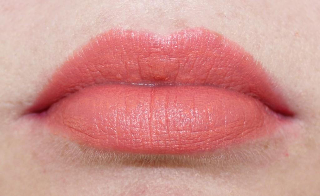 barry m matte me up lip crayon 1