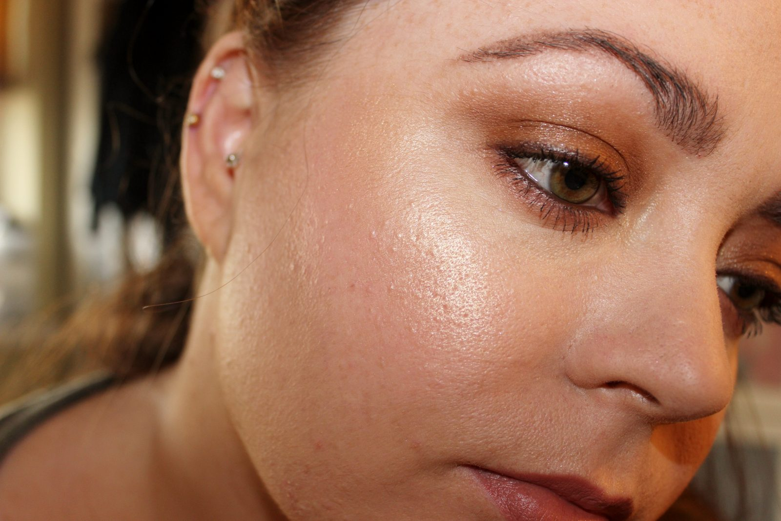 Becca Shimmering Skin Perfector Champagne Pop Irish