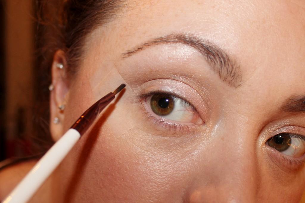 winged eye liner made easy