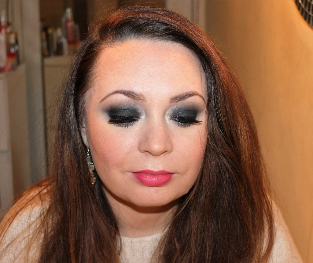 Smoky Eye Makeup Tutorial (34)